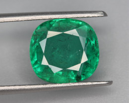 GFCO Certified  3.52 Carats  Natural Emerald Gemstone