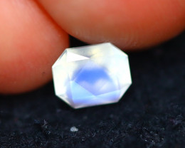 Moonstone 0.89Ct Natural AAA Blue Flash Rainbow Moonstone E2632