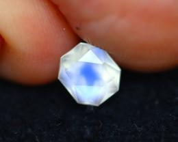 Moonstone 0.88Ct Natural AAA Blue Flash Rainbow Moonstone D3126
