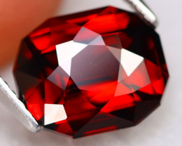 Almandine 4.64Ct VVS Master Cut Natural Blood Red Almandine Garnet B2714