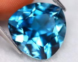 London Blue Topaz 7.30Ct VVS Trillion Cut Natural London Blue Topaz B2730