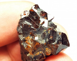 Amazing Natural color Damage free Garnet cluster with mine clay 65Cts-A