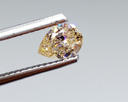 0.41ct  Fancy Light Orange Diamond , 100% Natural Untreated
