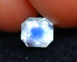 Moonstone 0.69Ct Natural AAA Blue Flash Rainbow Moonstone D0424