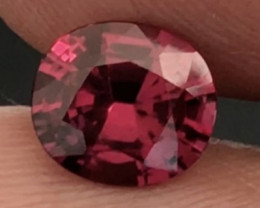 Pretty  Striking Oval Rhodolite Garnet - Vietnam  H636
