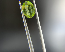 2.30 ct Natural Green Peridot Oval Cut loose gemstone Ideal for mounting on
