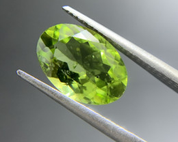 3.38 ct Natural Peridot Oval Cut Green Loose Gemstone Ideal for mounting on