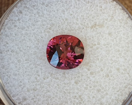 1,58ct pink Malaya garnet - Designer cut!