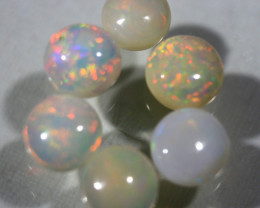 Cts.  4.25    PARCEL Caboshon Opal 81 RF