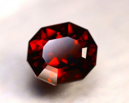 Almandine 4.82Ct Natural VVS Vivid Blood Red Almandine Garnet DR175/E36