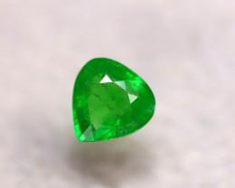 Tsavorite 1.32Ct Natural Intense Vivid Green Color Tsavorite Garnet DR187