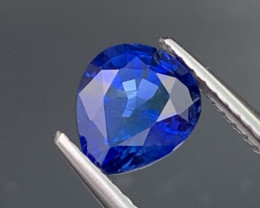 Certified Sapphire 1.75Cts Natural Royal Blue AAA+ GRADE (Heated)