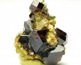Amazing Natural Damage free Lovely Garnet combine with Epidote 22Cts-A