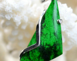 Jade Maw Sit Sit, Chloromelanite 12 carats - Tawmaw Myanmar