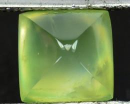 ~PYRAMID~ 4.33  Cts Natural Radium Green Prehenite Sugarloaf Guinea