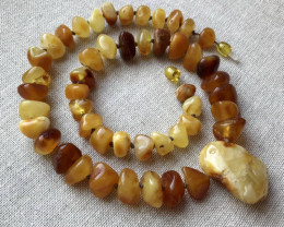49 gr (245 ct) Natural Baltic Amber necklace with pendant raw, rough