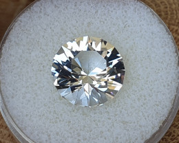10,30 ct White Topaz - Master cut!