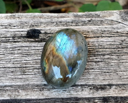 22.19cts Labradorite - Amazing Colours (RLA12)