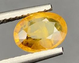 0.90 Carats Yellow Sapphire Gemstone