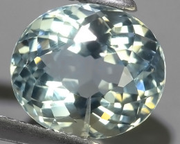 3.25 Cts - Sparkling Luster -Oval~Cut- Natural Blue Aquamarine !!