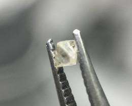 0.045 ct Light Grey Si rough octahedron diamond crystal