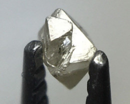 0.03 ct J/K Si rough octahedron diamond crystal