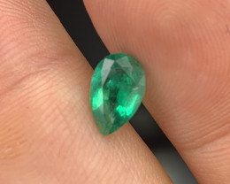 1.05 Cts AAA Grade Vivid Green Natural Emerald Fine Luster