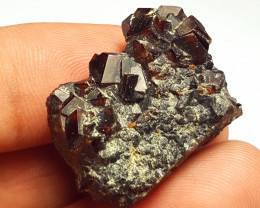 Amazing Natural color Damage free Garnet cluster with mine clay 75Cts-A