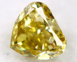 Light Green Diamond 0.14Ct Natural Untreated Fancy Diamond AT08100