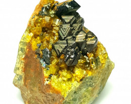 Amazing Natural Damage free Magnetite combine with Diopside and Epidote  90