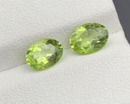 2.60 CT  Peridot Gemstones