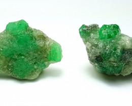 Amazing Natural color Damage free Gemmy Emerald specimen 25Cts-P