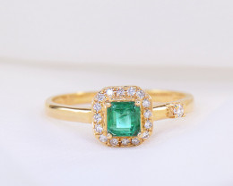 18kt SOLID Gold Natural Emerald & Diamond Ring