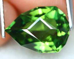 Green Apatite 3.08Ct VVS Master Cut Natural Green Apatite AT0442