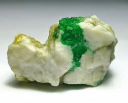 Amazing Natural color Emerald specimen 60 Cts-Pak