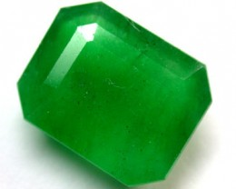 Quartz Emerald Green colour   8.90  carats   QU 225
