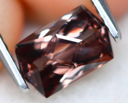 Color Change 1.51Ct VVS Master Cut Natural Color Change Garnet AT0578