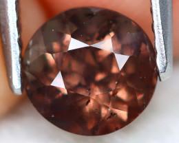Color Change Garnet 1.57Ct Round Cut Natural Color Change Garnet B0407