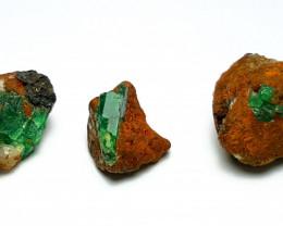 Amazing Natural color 3 Emerald specimen 35Cts-Afghanistan
