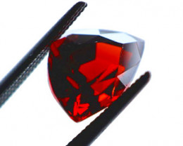 FREE SHIP! 2.8 CT Dark Red Garnet (Tanzania)