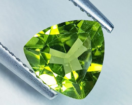 1.66 ct Top Quality Gem  Triangle Cut Top Luster Natural Peridot