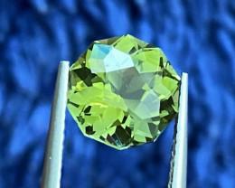 2.65 ct Apple Green Tourmaline with Master cutting  Gemstone