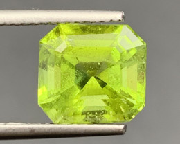 3.96 CT  Peridot Gemstones