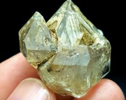 Amazing Natural Damage free DT Window Quartz crystal 88Cts-Pak