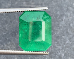 5.95 ct beautiful Green color Emerald Gemstone From swat