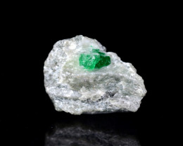 10 CT Natural Top Green Emerald Specimen From Pakistan