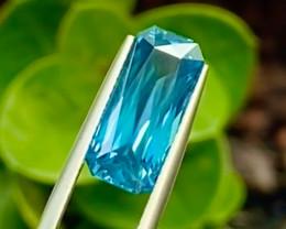 6.4 ct  Blue Zircon with fine Cutting Gemstone