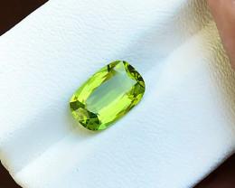 2.50 Ct Natural Apple Green Transparent Ring Size Peridot Gemstone