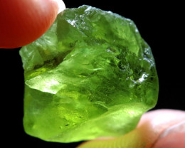 18.91 CTS FACETING ARIZONA PERIDOT ROUGH [F8864]