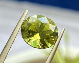 2.18 ct Apple Green Tourmaline with Fine Cutting Gemstone